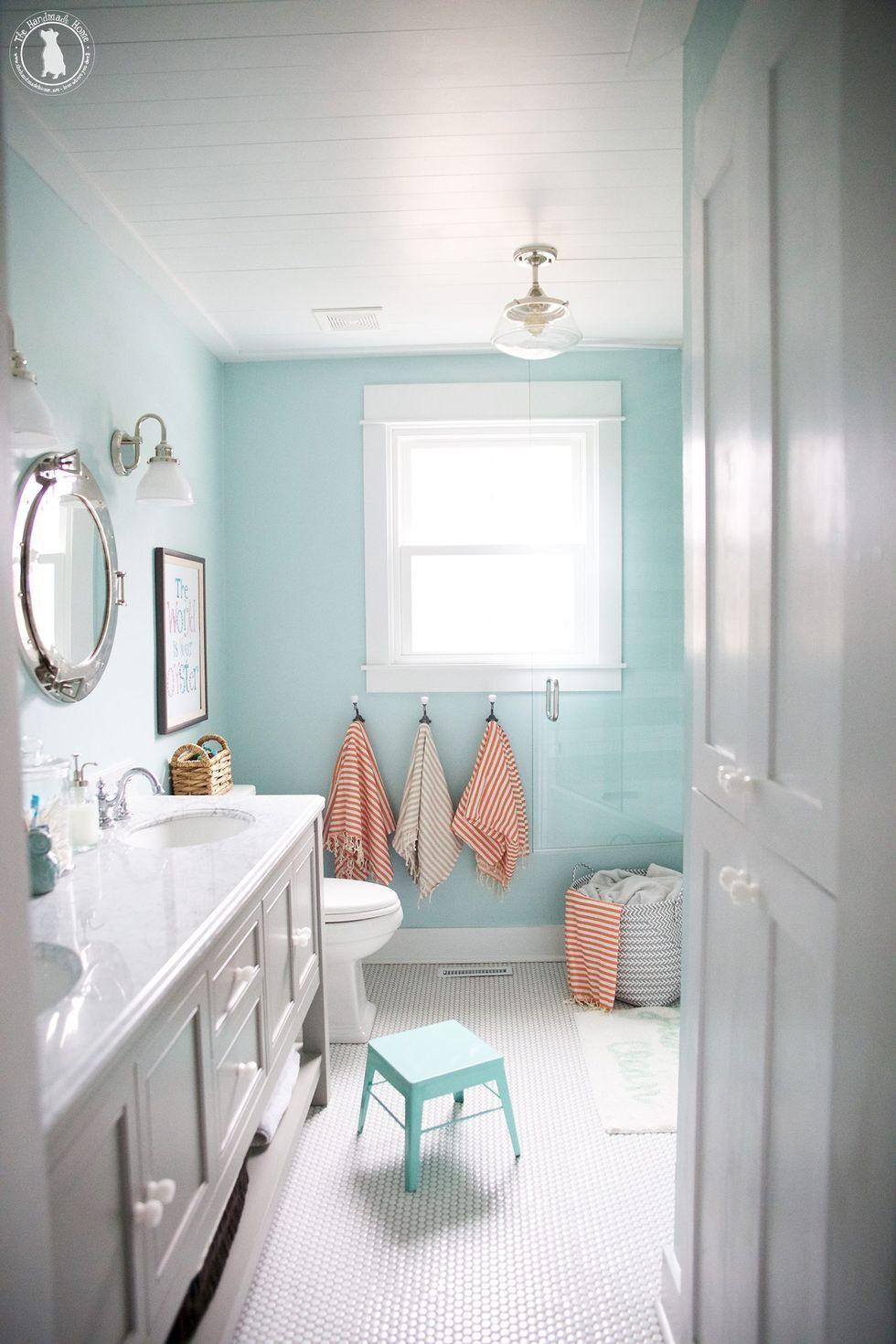 Phòng tắm sạch sẽ vừa đảm bảo sức khỏe, vừa đỡ mất công dọn dẹp nhiều
