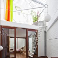 Cận cảnh thiết kế độc đáo của ngôi nhà chỉ 40m2 xuất hiện ấn tượng trên tạp chí Mỹ