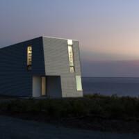 Chiêm ngưỡng ngôi nhà phong cách siêu độc lạ bên bờ biển Đại Tây Dương