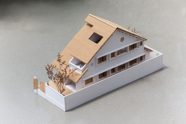 Độc đáo ngôi nhà mái ngói đất nung phong cách cổ xưa - một chút hoài niệm giữa lòng Sài Gòn hối hả