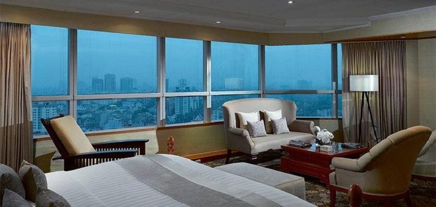 Presidential Suite, rộng 165 m2 và nằm trên tầng 22, là phòng sang trọng nhất.