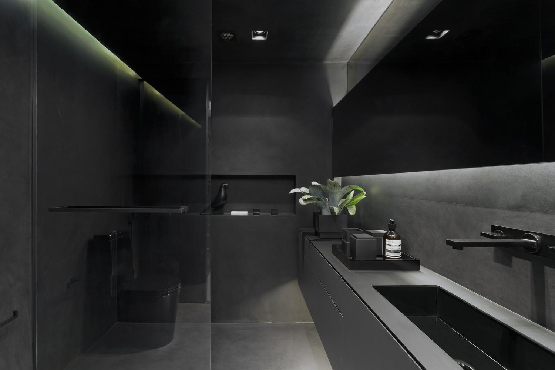 Phần phòng tắm sử dụng hoàn toàn tone màu đen - xám.