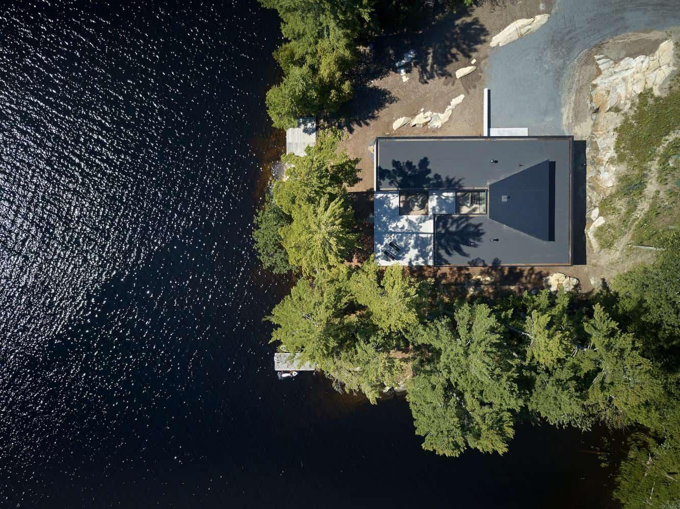 Ngôi nhà bên hồ rộng 2.700m2 ở Canada: Sự kết hợp hài hoà giữa cảnh sắc tự nhiên và thiết kế hiện đại