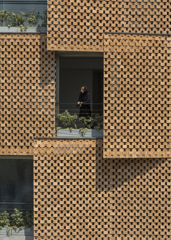 Yêu cầu đầu tiên của chủ nhà khi gặp gỡ kiến trúc sư là có một không gian vừa mở, vừa đảm bảo sự riêng tư.