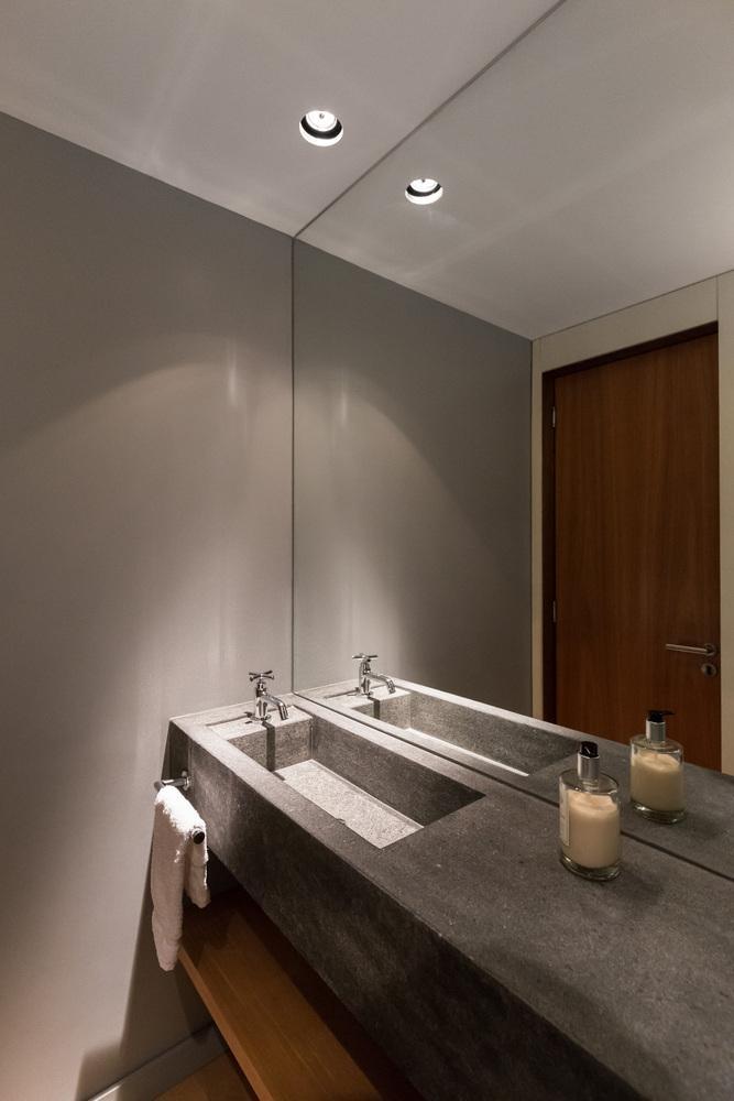 Phòng tắm mang một thiết kế vô cùng hiện đại và tân tiến
