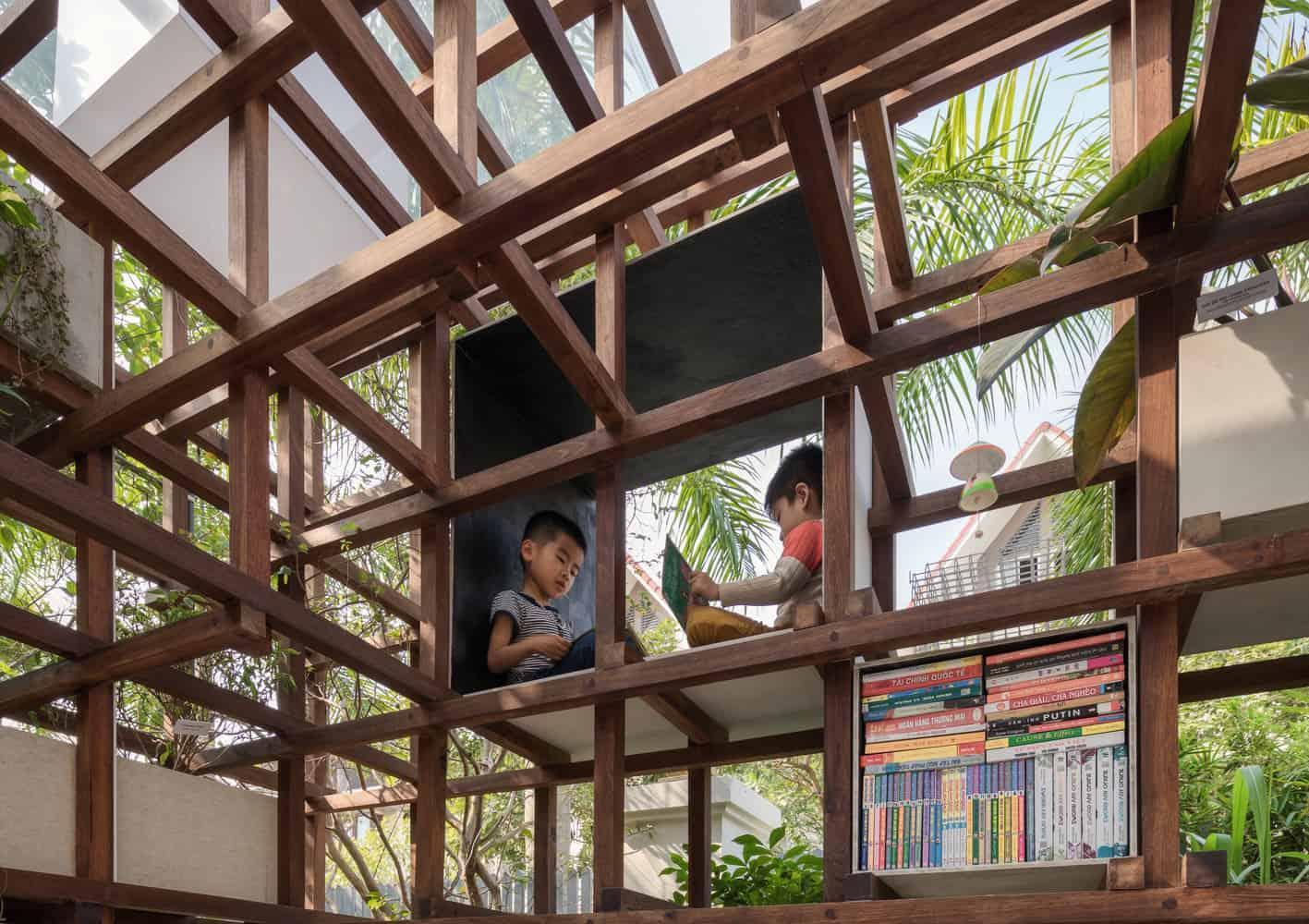 toi uu 55m2 nha thanh pho voi thiet ke dac biet vua co thu vien vua trong duoc rau sach - Tối ưu 55m2 nhà thành phố với thiết kế đặc biệt: vừa có thư viện, vừa trồng được rau sạch