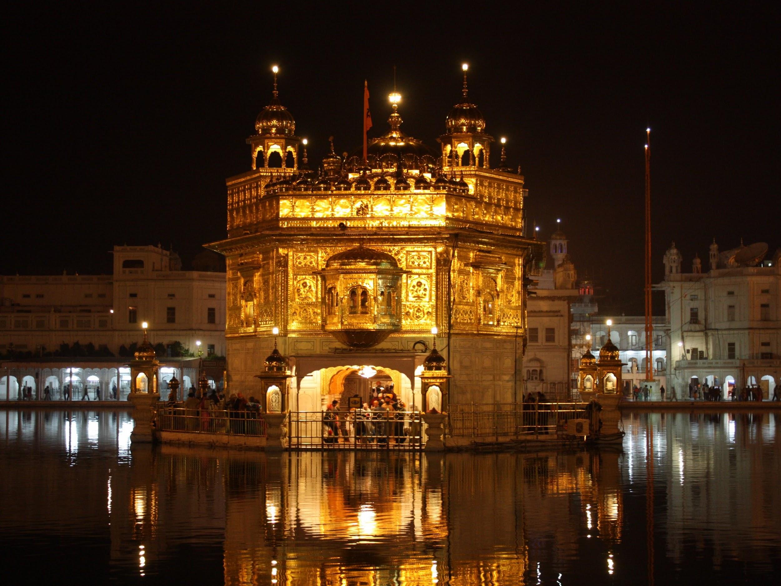 Đền Vàng ở Amritsar, Ấn Độ