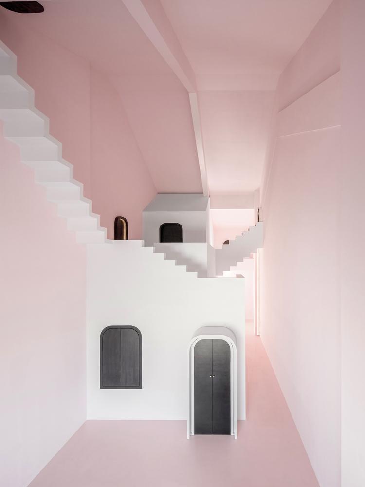 Không gian ở tầng 2 căn nhà cũng vô cùng ấn tượng.