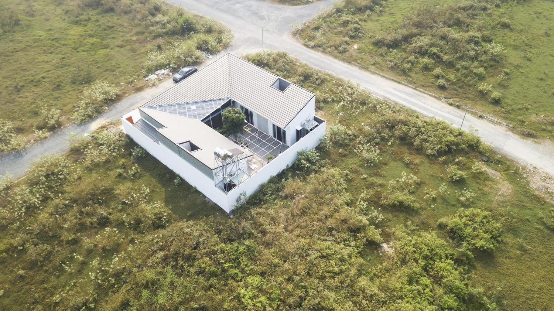Toàn cảnh ngôi nhà từ trên cao - Ngôi nhà hình chữ U mang phong cách nhà vườn Huế