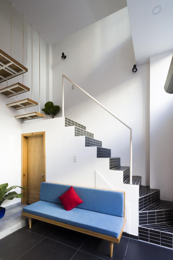 Khu vực cầu thang dẫn lên tầng hai