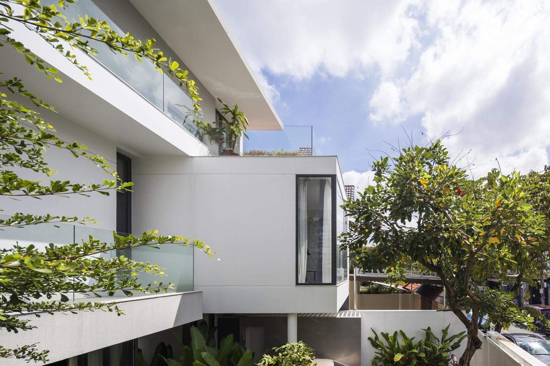 an tuong biet thu rong lon nam gon trong khuon vien tran ngap cay xanh 5 - Ấn tượng biệt thự rộng lớn nằm gọn trong khuôn viên tràn ngập cây xanh